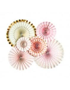 Abanicos de papel rosas y dorados
