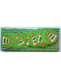 Pajitas de papel verde con toppers de árbol de navidad