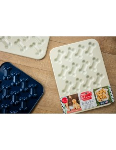 Molde Puppy Love Treat Pan Nordic Ware