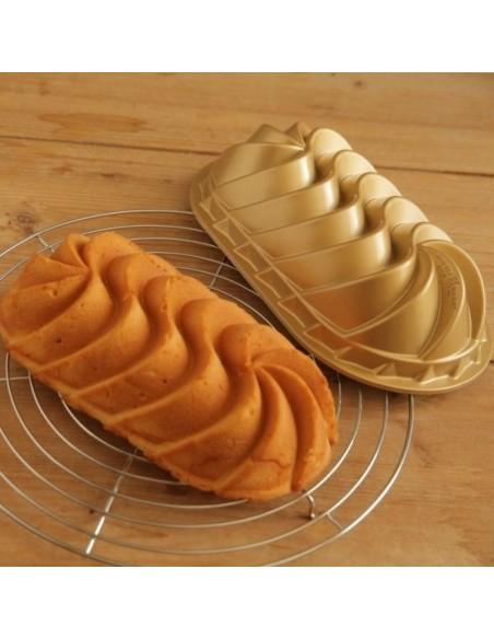 Molde Heritage Loaf Pan Nordic Ware