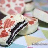 Galletas oreo con chocotransfers para San Valentín