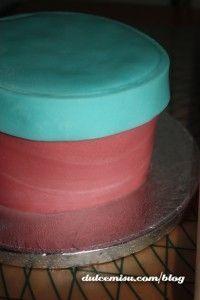 Tarta-caja-regalo-de-fondant-(1)