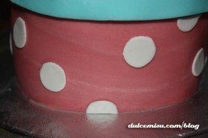 Tarta-caja-regalo-de-fondant-(3)