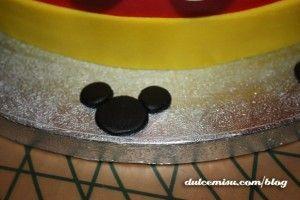 Tarta-Mickey-Mouse-de-fondant-(18)