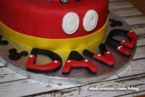 Tarta-Mickey-Mouse-de-fondant-(27)