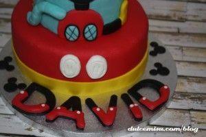 Tarta-Mickey-Mouse-de-fondant-(33)