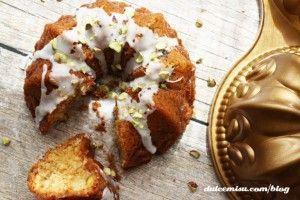 mini-bundt-cake-chocolate-blanco-y-pistachos-15-copia