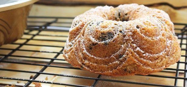 mini-bundt-cake-de-platano-y-oreo-de-fresa-9-copia