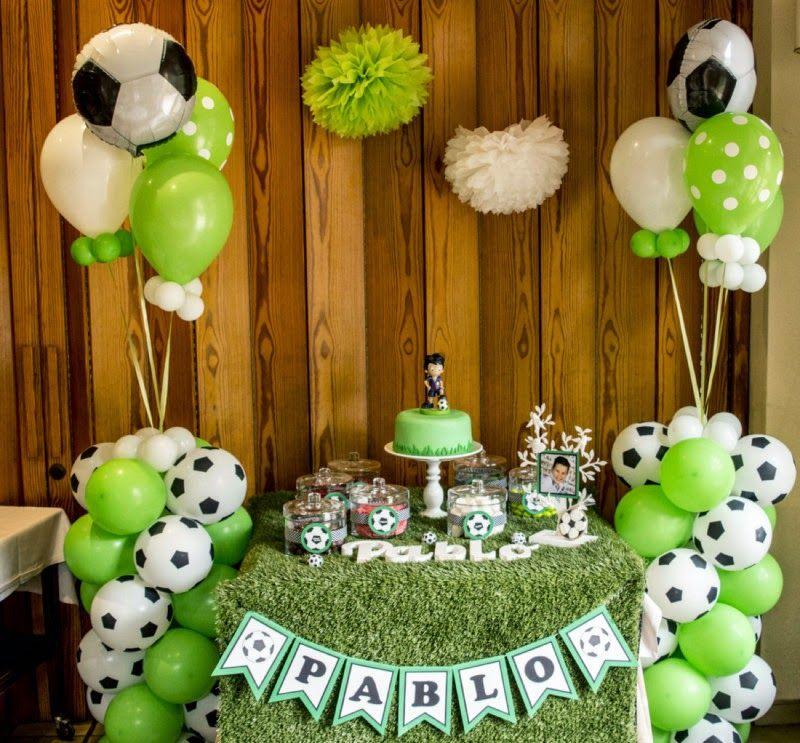 Ideas originales para mesas dulces de comuni n dulcemis - Adornar mesas de comunion ...