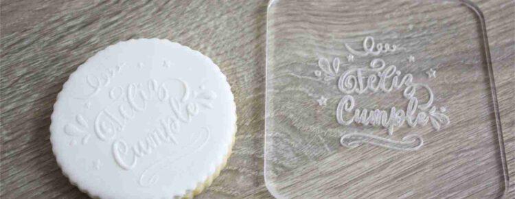 Como usar sellos para decorar galletas